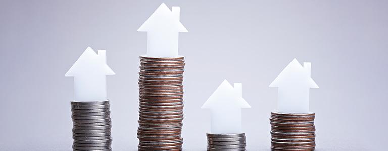 家の模型とお金